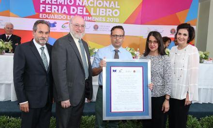 Carlos Esteban Deive gana 'Premio Nacional Feria del Libro Eduardo León Jimenes2018'