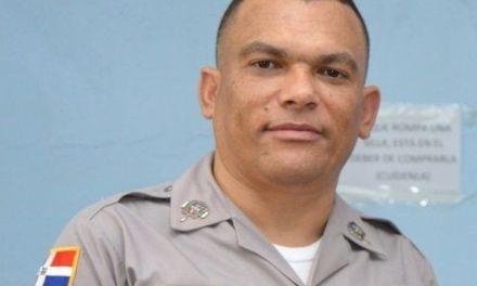 Coronel Oscar Tejeda felicita a los periodista en su día