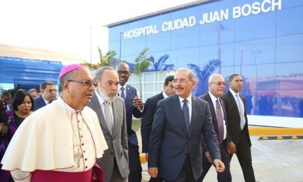 Atención en salud cercana, de calidad y gratuita: Danilo Medina entrega hospital nuevo y equipado prometido a residentes Ciudad Juan Bosch