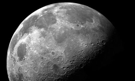 Científicos ven la posibilidad de existencia de vida en la Luna hace millones de años