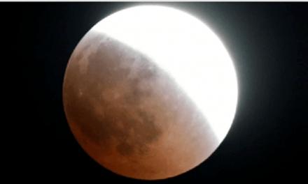 Así fue el eclipse total de Luna más largo siglo XXI; deslumbró a todos