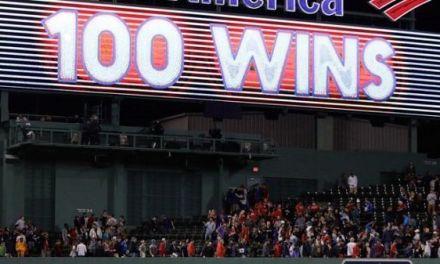 Boston llega a 100 triunfos por 1ra vez desde 1946