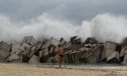 Ciclón amenaza costa de Florida