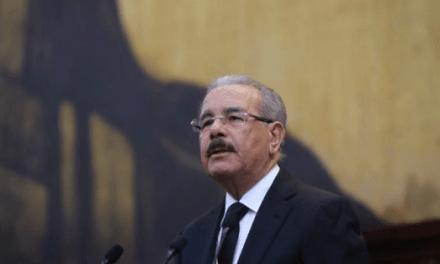 Miles anuncian apoyo a la gestión del presidente Danilo Medina; les piden cuatro años más