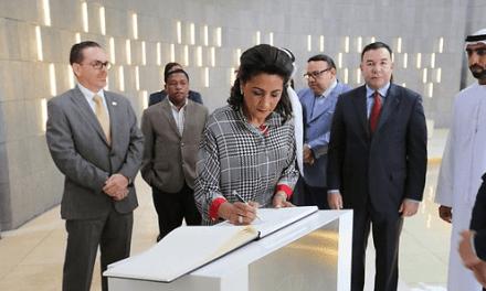 Primera dama Cándida Montilla visita en Abu Dabi el Monumento a los Mártires