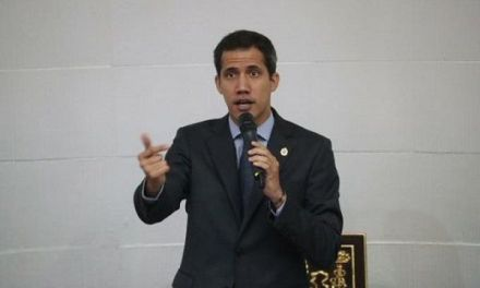 Asamblea Constituyente de Venezuela aprueba continuar enjuiciamiento a Guaidó