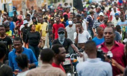 Otros 176 haitianos vuelan de Santiago de Chile a Puerto Príncipe en plan de retorno