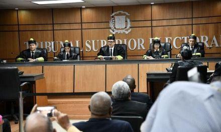 TSE rechaza demanda de Peña Guaba contra PRD y Miguel Vargas