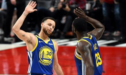 Curry y triple doble de Draymond Green pone a Warriors 3-0