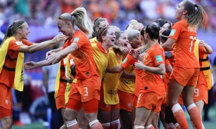 Holanda vence 2-0 a Italia y avanza a semis en mundial femenina