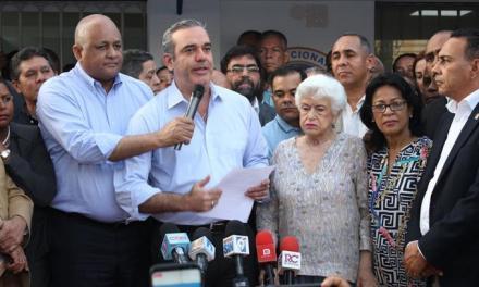 PRM llama al pueblo a protestar contra reforma Constitución