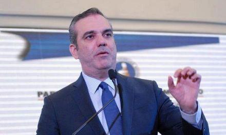 """Abinader activa su plataforma digital """"Aporta para el Cambio"""""""