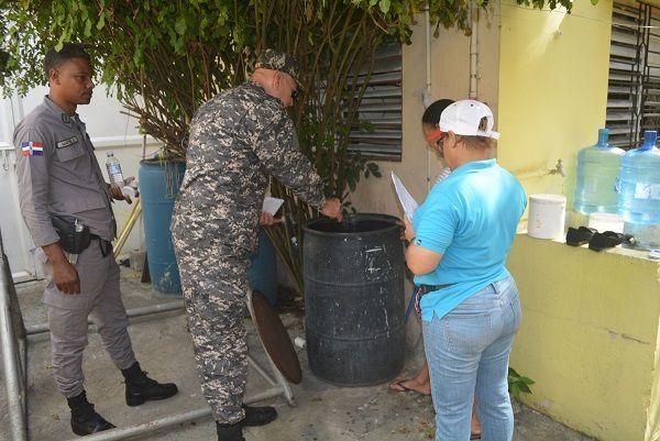 Coronel Mateo Mejía apoya jornada contra el dengue
