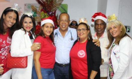 AMEDOSA, Clínica San Cristóbal, da inicio a la Navidad con su Tradicional Encendido de Árbol