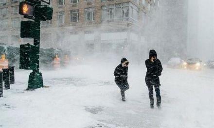 Tormenta invernal cubrió de nieve el noreste de Estados Unidos