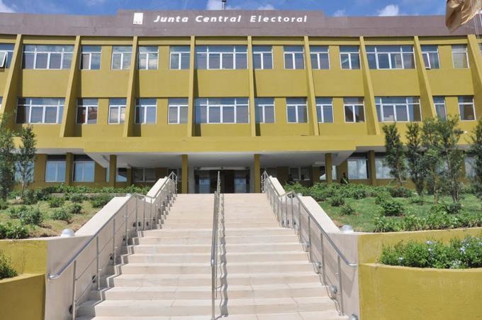 Empleada de la JCE admite sustrajo más de RD$333 mil de la institución