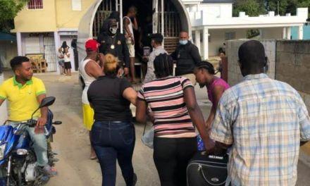 Migración incauta 19 motores, dos autobuses y detienen 224 haitianos indocumentados en Moca y Santiago