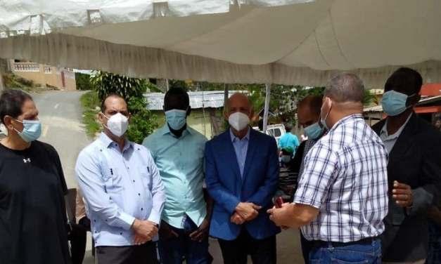 Comisión del PRM en SDN visita familiares de pareja de pastores asesinados por Policías
