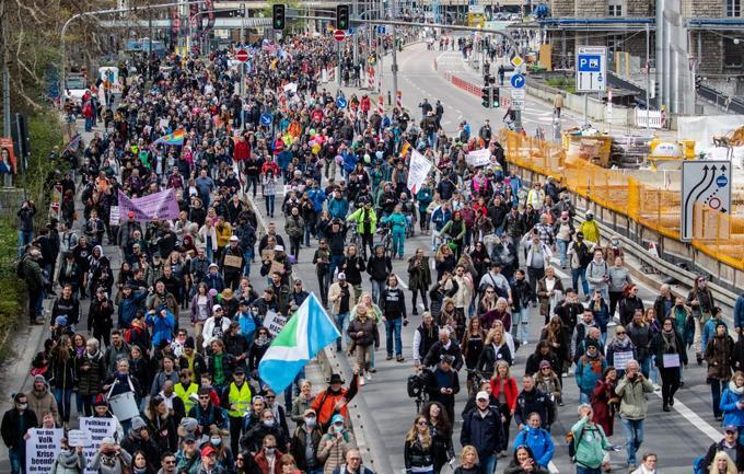 Miles de manifestantes en Alemania contra las restricciones por la Covid