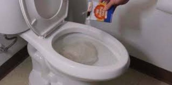 Sabun Cuci Piring dan Air Panas