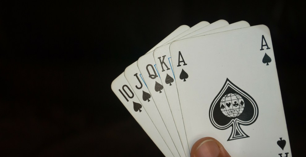 Rules of Playing Poker that You Must Know