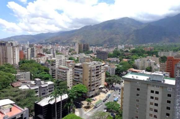 Caracas-Country-Club-donde-se-hospeda-el-Partido-Podemos-6-800x533