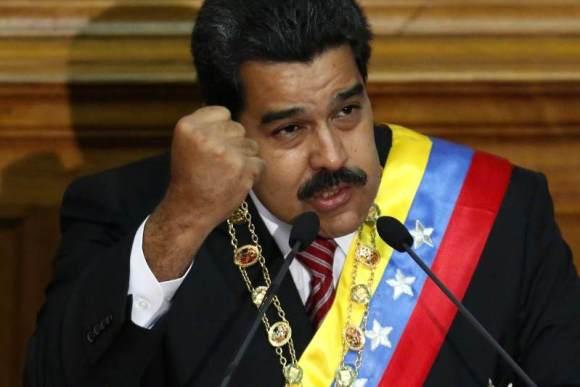 Nicolas-Maduro-Moros-en-la-Asamblea-Nacional-señalando-molesto-sobre-caso-EEUU-800x533-800x533