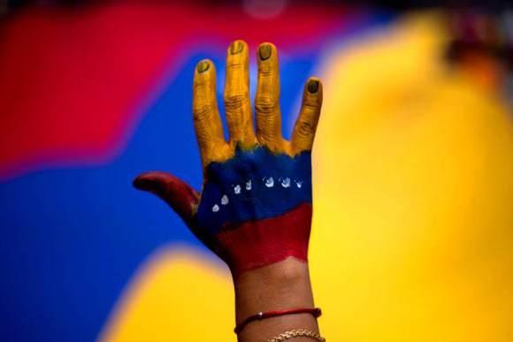 sos-venezuela-libertad-censura-protesta-800x533