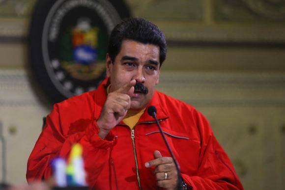 Maduro-ofrece-declaraciones-16n