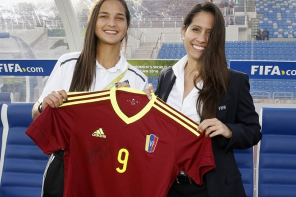 deyna-castellanos-camisa-futbol