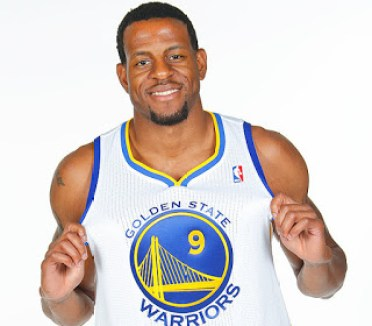 Iguodala con el 9 Warriors
