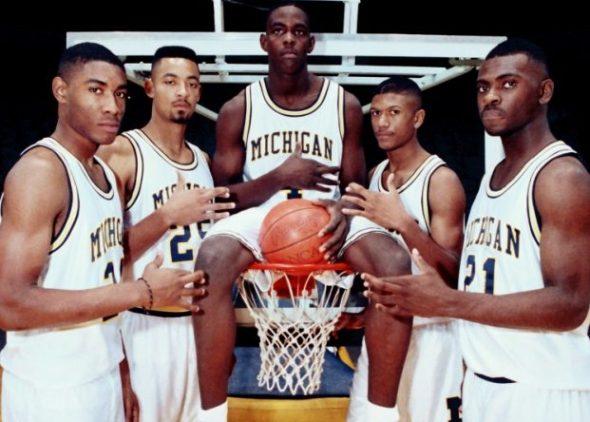d31a9a50295 La historia de los Fab Five de la NCAA... un castigo mucho mayor que el  pecado ~ el gurú del basket