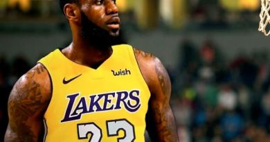 Lebron james lakers púrpura y oro