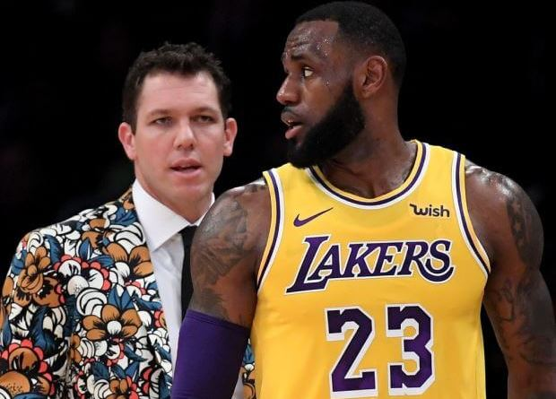 Lebron James y Luke Walton