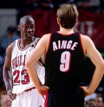 Danny Ainge con Michael Jordan