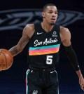 NBA multa a Dejounte