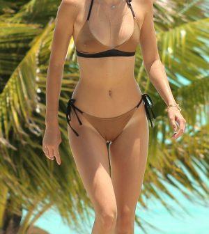 Kendall Jenner con un arriesgado bikini nude