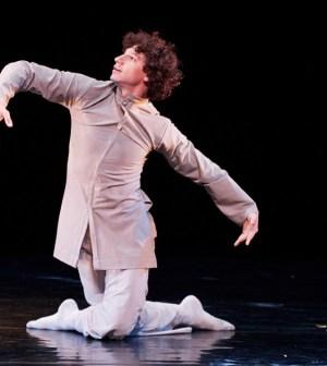 Bailarín Raúl Tamez llevará a Nueva York coreografía sobre migración