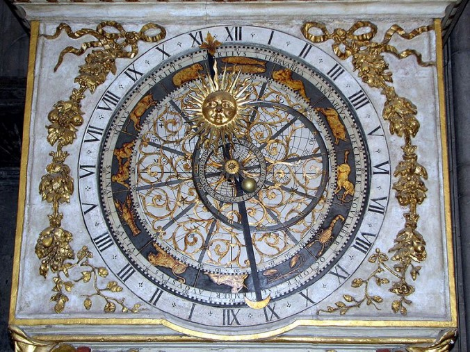 800px-Cathedrale_Saint_Jean_Lyon_Astronomical_clock_dial_B foto Chris 73