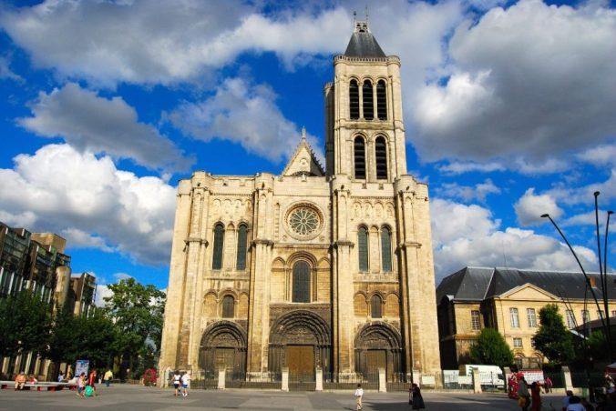 10200834-la-basilique-cathedrale-de-saint-denis