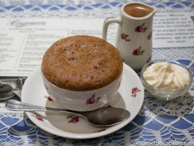 chocolat-mousseux-cazenave-bayonne