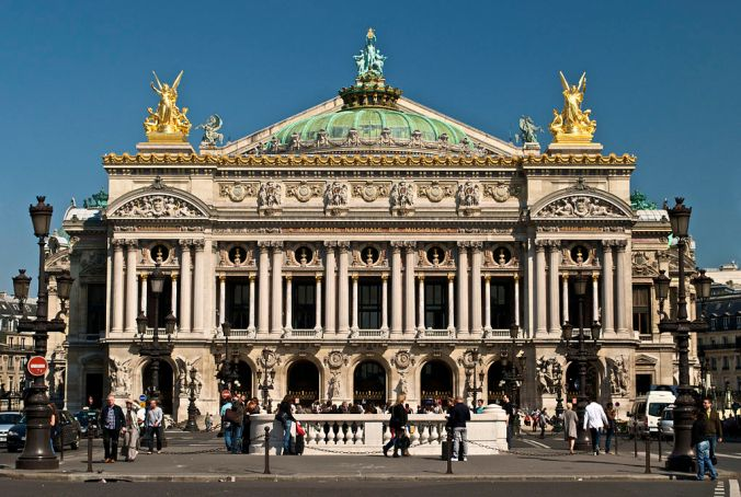 Façade sud de l'Opéra Garnier - Photo Peter Rivera