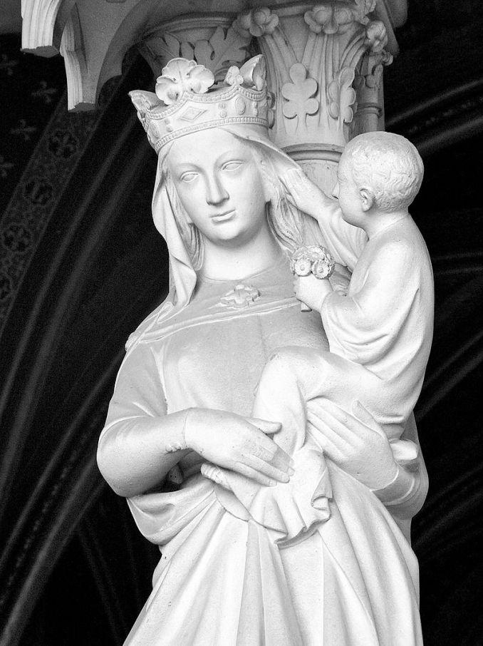 Paris - La Sainte Chapelle - Vierge à l'enfant Jésus du portail inférieur - Phptp Obex73 - Wikipédia