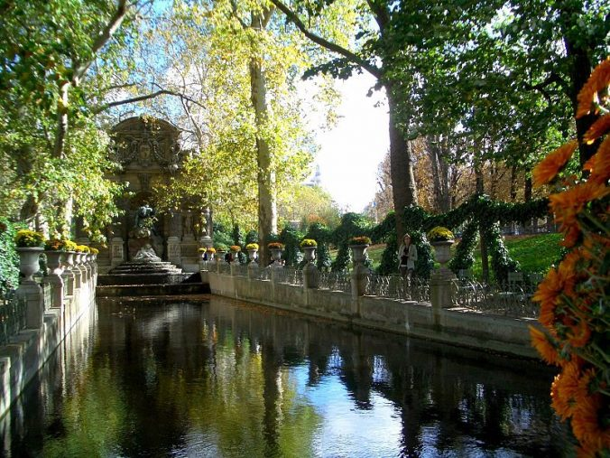 Fontaine Medicis du jardin du Luxembourg -photo dinkum