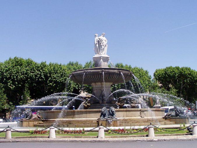 fontaine-de-la-rotonde-aix-en-provence-photo-rainbow0413
