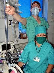 Anesthesiologists Teaming in OR