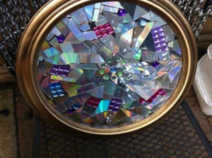 Adorno mosaico para pared con CDs