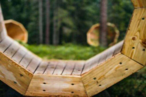 megafono-escuchar-bosque-5