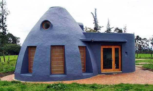 Casa en Colombia construida con bolsas de tierra se mantiene naturalmente fresca