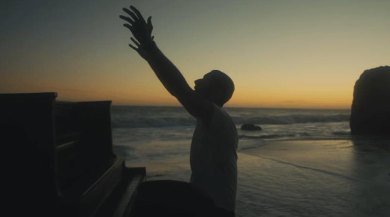 , Coldplay pausa su gira hasta que los espectáculos se puedan hacer de manera sostenible